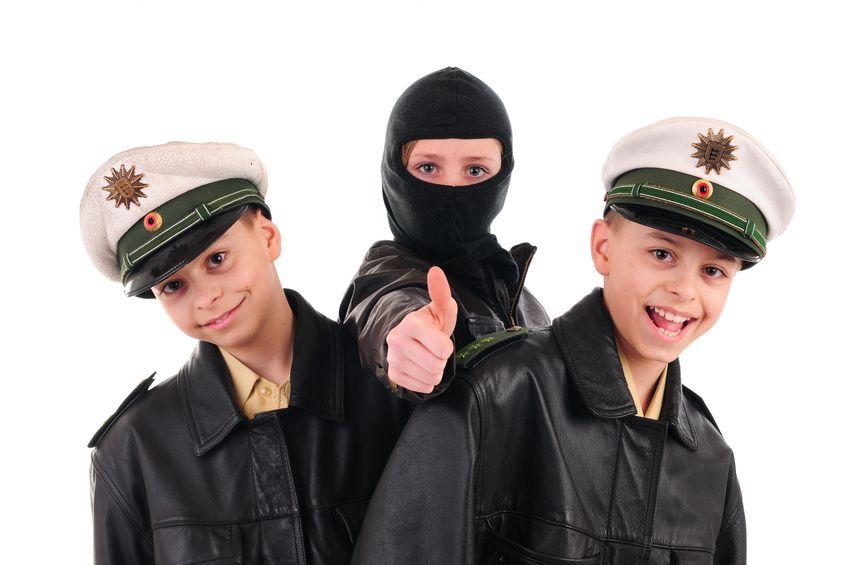 Spielidee für die Polizeiparty. • Foto: ehrenberg-bilder/ Fotolia.com