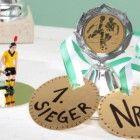 Teaser_Bastelidee-fuer-den-Kindergeburtstag-Fussball-Medaillen