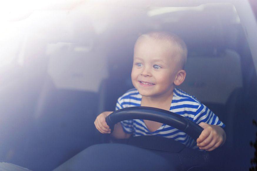 Dieses Fotoshooting macht allen Jungs garantiert Spaß! • Foto: Halfpoint / Fotolia.com