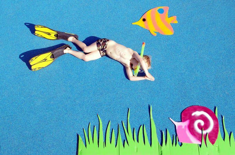 Wer angelt die meisten Knicklichter auf dem Unterwasserweltgeburtstag? • Foto: thetank / photocase.de