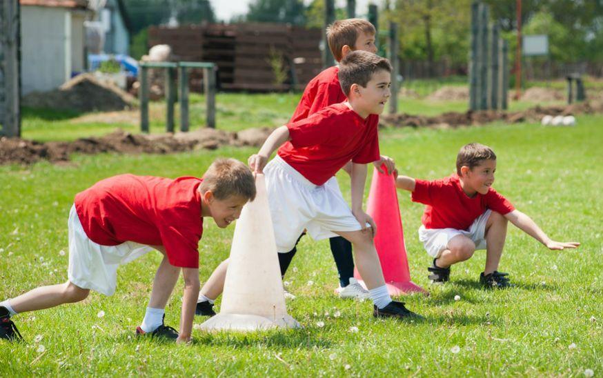 Wie die Profis bereiten sich die Geburtstagsfußballer auf das große Spiel vor. • Foto: Dusan Kostic / Fotolia.com