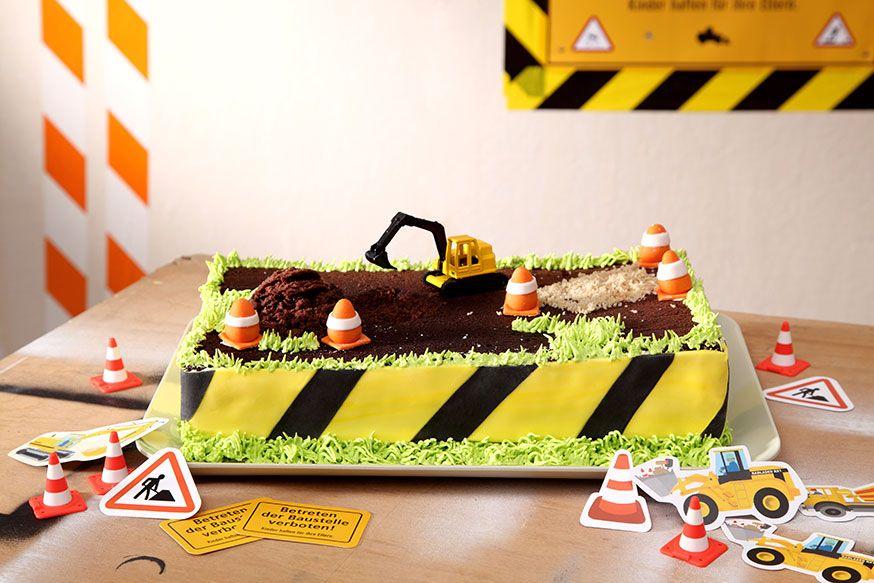 Dieser Baustellen-Kuchen schmeckt auch großen Bauarbeitern. • Foto & Styling: Thordis Rüggeberg, Foodproduktion: Eileen Greuel