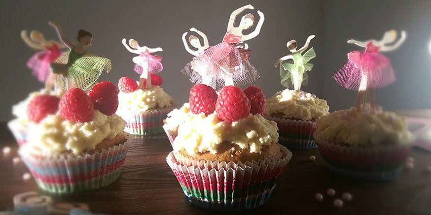 Himbeeren und weiße Schokolade vereint in einem Cupcake, da kann keine Ballerina widerstehen!