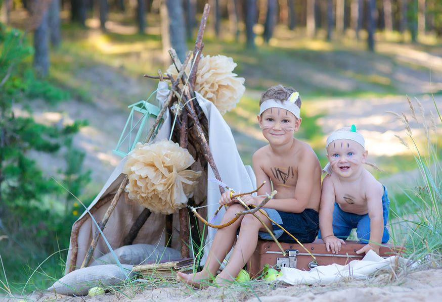 Anschleichen, Spuren lesen und Bogenschießen gehören zum indianergeburtstag dazu!. • Foto: nataljagolubova / Fotolia.com
