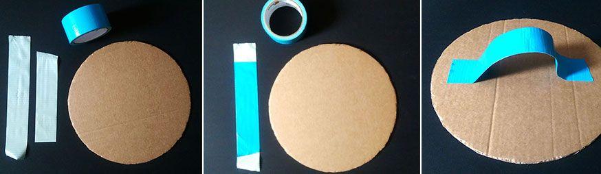 Mit blauem Duck Tape können Sie ganz einfach einen Griff für das Schild basteln.