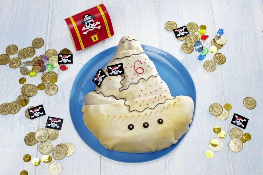 Der perfekte Geburtstagskuchen für kleine Piraten. • Foto & Styling: Thordis Rüggeberg, Foodproduktion: Sarah-Christine Brandt