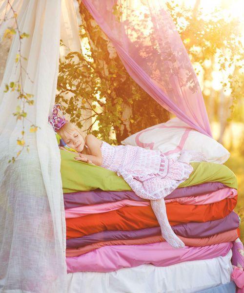 Welche Prinzessin spürt die Erbse? • Foto: Ermolaev Alexandr / Fotolia.com