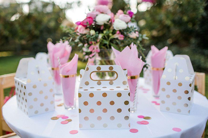 Die Hochzeitbox für Kinder ist ein wunderbares Geschenk für die Kleinen auf der Hochzeitsfeier. • Foto: Corinna Keiser